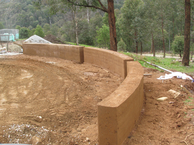 This garden wall in Harrietville was created using Flexiform(TM) - only available through Riverina Rammed Earth