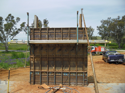 scaffolding is required after 2 lifts of formwork
