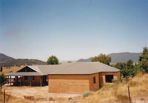 Rammed Earth Home by Riverina Rammed Earth